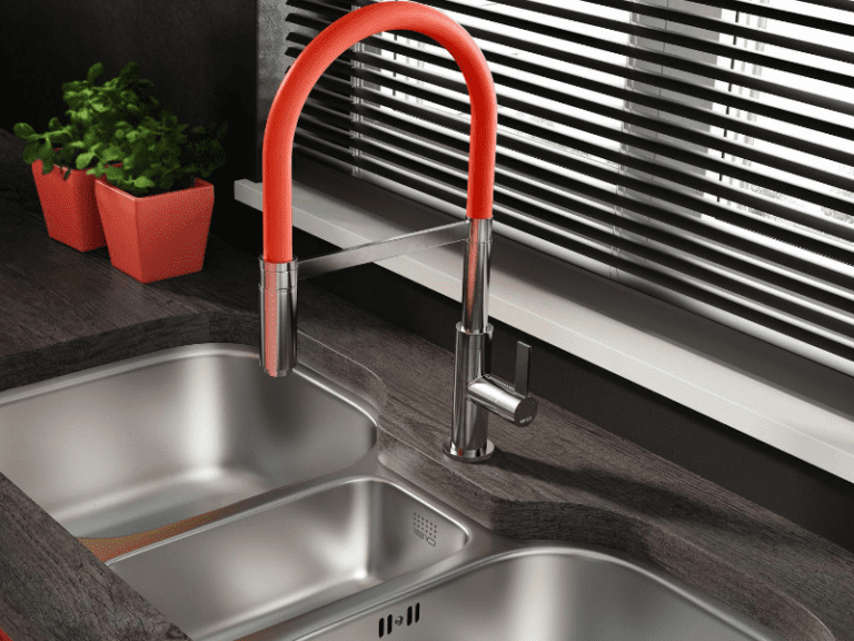 Metal 1810 sink and tap